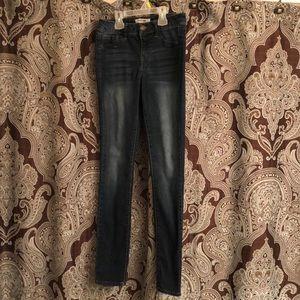 Refuge size 2 skinny blue jeans
